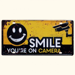 PLACA METAL SMILE YOU'RE ON CAMERA
